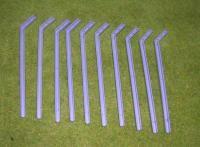 10 abgewinkelte Säulen für Fangzaun