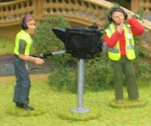 3 Figuren als Kamerateam